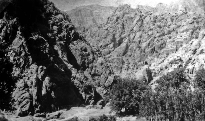 View of the mountains where Bahá'u'lláh stayed in Sulaymaniyyih.